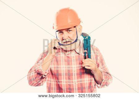 Experienced Engineer. Plumber Workshop. Plumber Repairing Or Renovating. Home Improvement. Plumber S