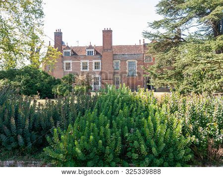 Kentwell Hall Suffolk Tudor Manor Special Day Visit Olde Romantic Historical Re-enactment