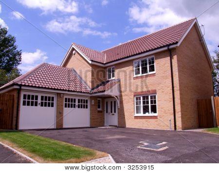 Uk New House Family Home