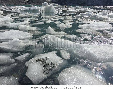 Floating ice sheets in the  swiss alps