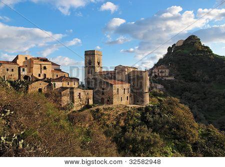 mittelalterliche Dorf von Savoca in Sizilien, Italien bei Sonnenuntergang