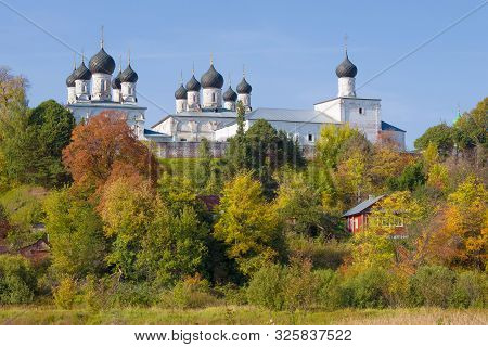 View Of The Old Holy Trinity Makaryevo-unzhensky Monastery On A Sunny September Day. Makaryev, Kostr