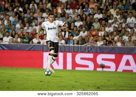 VALENCIA, SPAIN - OCTUBER 2: Maxi Gomez during UEFA Champions League match between Valencia CF and AFC Ajax at Mestalla Stadium on Octuber 2, 2019 in Valencia, Spain