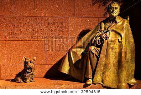 Franklin Delano Roosevelt Memorial Statue Night Washington Dc