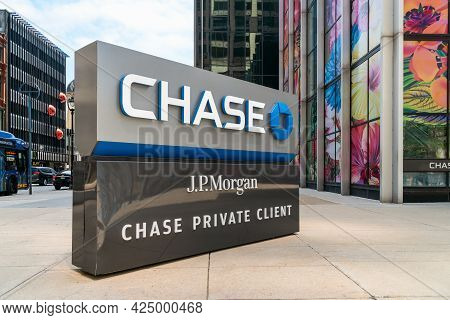 Jp Morgan Chase Private Client Bank And Trademark Logo