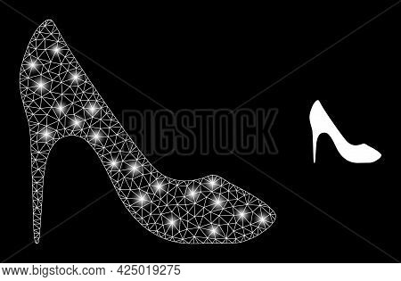Bright Mesh Vector High Heel Shoe With Glare Effect. White Mesh, Glare Spots On A Black Background W