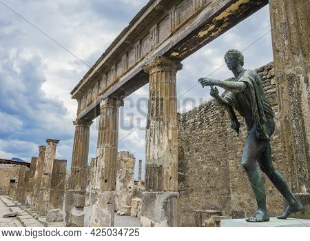 Magnificent Bronze Statue Depicting An Old Roman Citizen In The Archaeological Site Of Pompeii, Anci