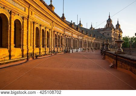 The Plaza De Espana (