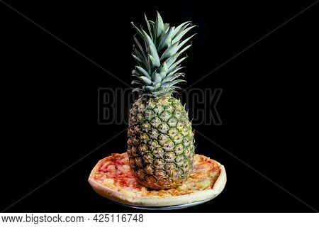 Whole pineapple on a hawaiian pizza. It's always a source of heated debate weather pineapple should go on pizza or no