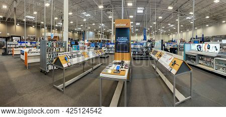 Bridgewater, Nj, 6-27-2021: View Of The Retail Floor Of A Best Buy Electronics Store.