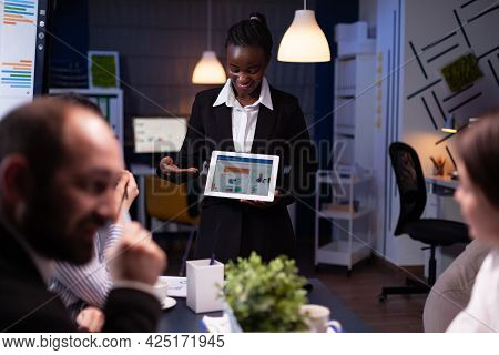 Entrepreneur Woman With Dark Skin Overworking In Company Office Meeting Room Explaining Management S