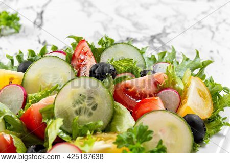Vegetable Salad. Healthy Eating. Vegetarian Food. Healthy Nutrition Concept. Close Up. . High Qualit