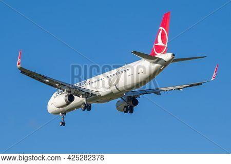 Saint Petersburg, Russia - October 25, 2018: Departing Aircraft Airbus A321-231 (tc-jtm) Turkish Air