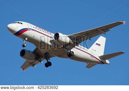 St. Petersburg, Russia - March 20, 2016: Flying Airbus A319-111 (ei-eym) Of Rossiya Airlines Close-u