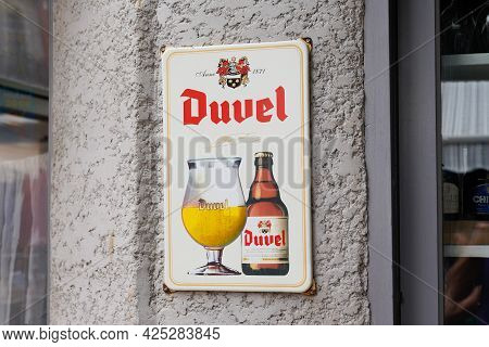 Toulouse , Ocitanie France  - 06 25 2021 : Duvel Beer Text Brand And Logo Sign Front Of Belgian Gold