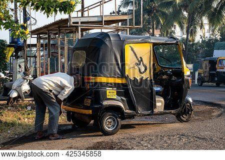 Kolhapur, Maharashtra ,india- December 5th 2020; Stock Photo Of 40 To 50 Old Indian Man Or Indian Me