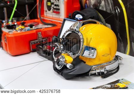 Diving Helmet. Diving Helmet On Display At The International Exhibition Arms And Security - 2021. Se