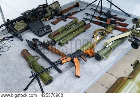 Weapon Layouts. Models Of Various Old Weapons At The International Exhibition Arms And Security - 20