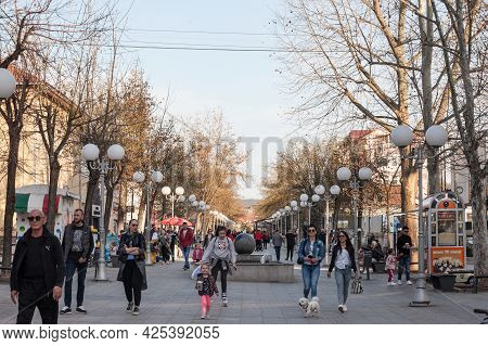 Lazarevac, Serbia - April 10, 2021: Crowd Of People Walking On The Main Pedestrain Street Of Karadjo