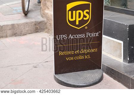 Sète , Ocitanie France  - 06 30 2021 : Ups Access Point Logo Sign And Brand Text On Boutique Office