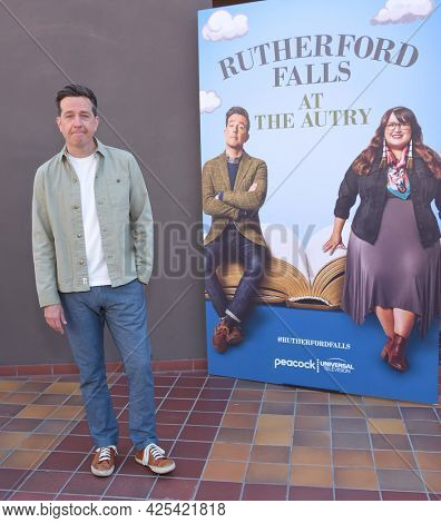 LOS ANGELES - JUN 26:  Ed Helms {Object} arrives for the Rutherford Falls Photo Opp on June 26, 2021 in Los Angeles, CA