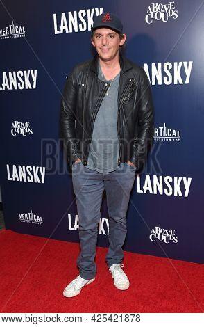 LOS ANGELES - JUN 21: Lukas Haas arrives for the 'Lansky' Hollywood Premiere on June 21, 2021 in Los Angeles, CA