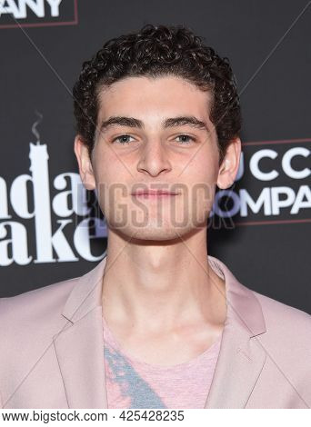 LOS ANGELES - JUN 16: David Mazouz arrives for 'The Birthday Cake' Premiere on June 16, 2021 in Los Angeles, CA