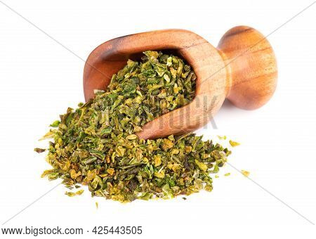 Dried Green Paprika Flakes With Seeds In Wooden Scoop, Isolated On White Background. Chopped Jalapen