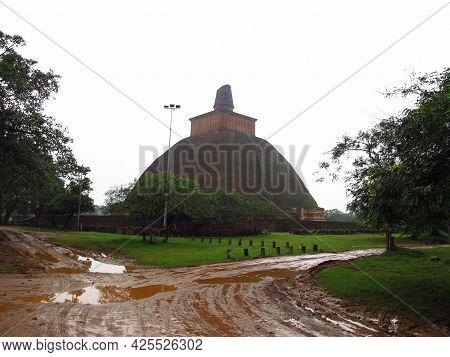 Jethawanaramaya Stupa, The Temple In Anuradhapura, Sri Lanka
