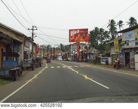 Galle, Sri Lanka - 10 Jan 2011: The Street In Old Town Of Galle, Sri Lanka