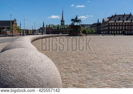 Copenhagen, Denmark - 13 June, 2021: Statue Of Frederik Vii Outside Of The Christiansborg Castle In