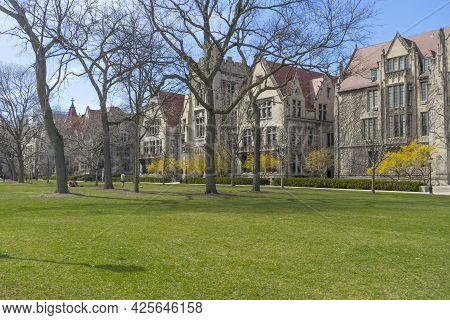 Chicago, Illinois, Usa - April 22, 2018 : The Green Campus Of The University Of Chicago In Chicago,