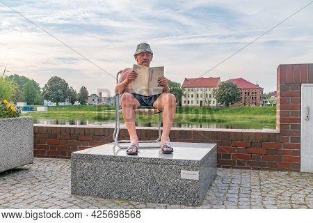 Gorzow Wielkopolski, Poland - June 1, 2021: Janusz Gorzowski Sculpture At Warta Boulevards. Sculptur