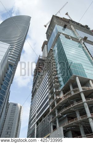 The Tall Skyscraper Being Built In Miami Downtown Business District (florida).
