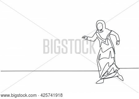 Single One Line Drawing Young Arabian Businesswoman Walking With Confidence Go To The Office. Busine