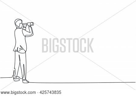 Single One Line Drawing Of Young Smart Business Man Looking Target Opportunity Forward With Binocula