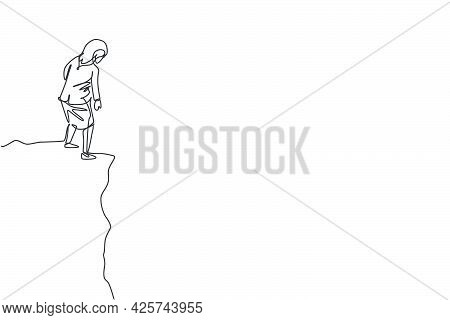 Single One Line Drawing Of Young Smart Businesswoman Looking Down From Top Of The Hill. Business Fin