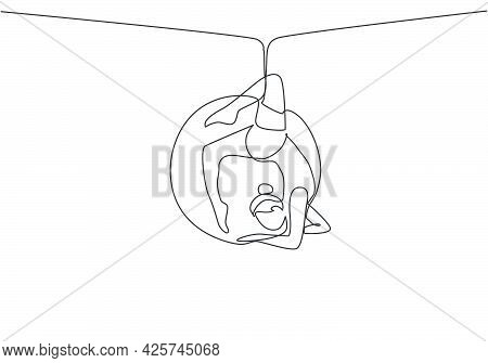 Continuous One Line Drawing A Female Acrobat Performing On An Aerial Hoop By Forming A Circle Around