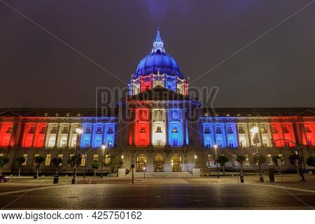 San Francisco City Hall Lit Up For 4th Of July On Foggy Summer Night.  San Francisco, California, Us
