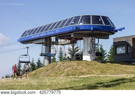 Spindleruv Mlyn, Czech Republic - August 20, 2020: Horni Misecky - Medvedin Cableway In Krkonose Gia
