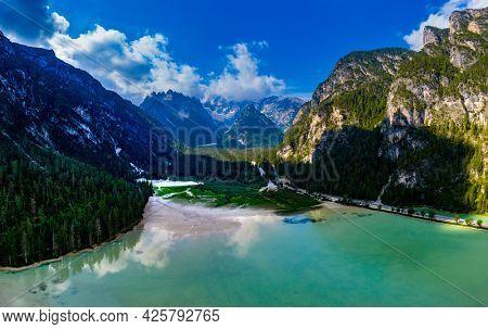 Mountain landscape in Dolomiten, Italy, near Cortina d'Ampezzo. Dürrensee, Lago di Landro