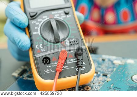 Multimeter Electronic Digital To Measure The Voltage Of Electrical.