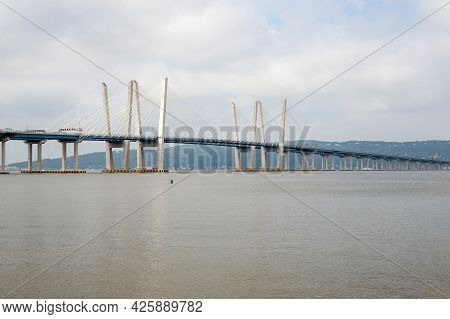 Tarrytown, Ny - Usa - July 5, 2021: Wide View Of The Iconic Governor Mario M. Cuomo Bridge, Is A Twi
