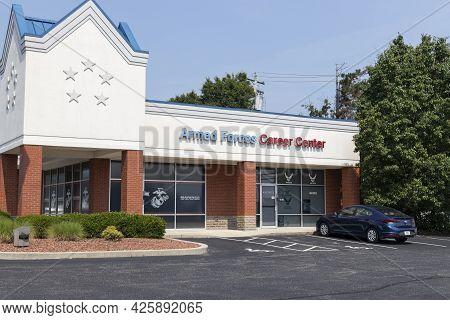 Cincinnati - Circa July 2021: Armed Forces Career Center. The Armed Forces Career Center Is Where Pe