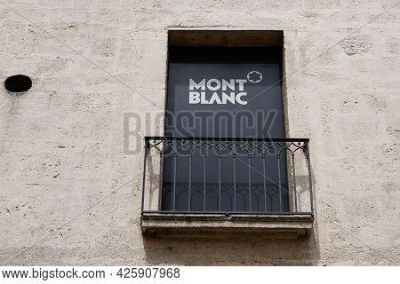 Toulouse , Ocitanie France  - 06 30 2021 : Mont Blanc Logo Text And Brand Sign Shop German Manufactu