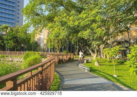 Taipei, Taiwan - Aug 8, 2018 : Drunken Moon Lake Of National Taiwan University Against Blue Sky In T
