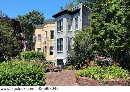 Washington Dc, Usa - June 14, 2013: Residential Architecture Of Capitol Hill Viewed From Public Stre