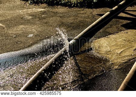 Unsuccessful Attempt To Eliminate Leakage In The Union Of The Pipes For Pumping Water From The Pond.