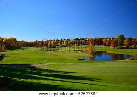 Autumn golf