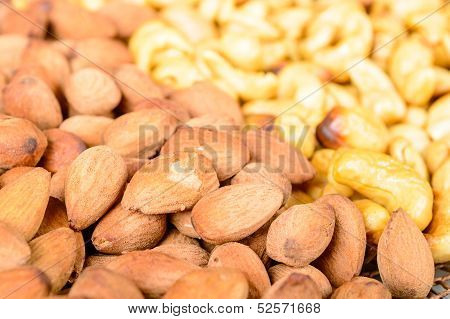 Smoked Almond And Cashew